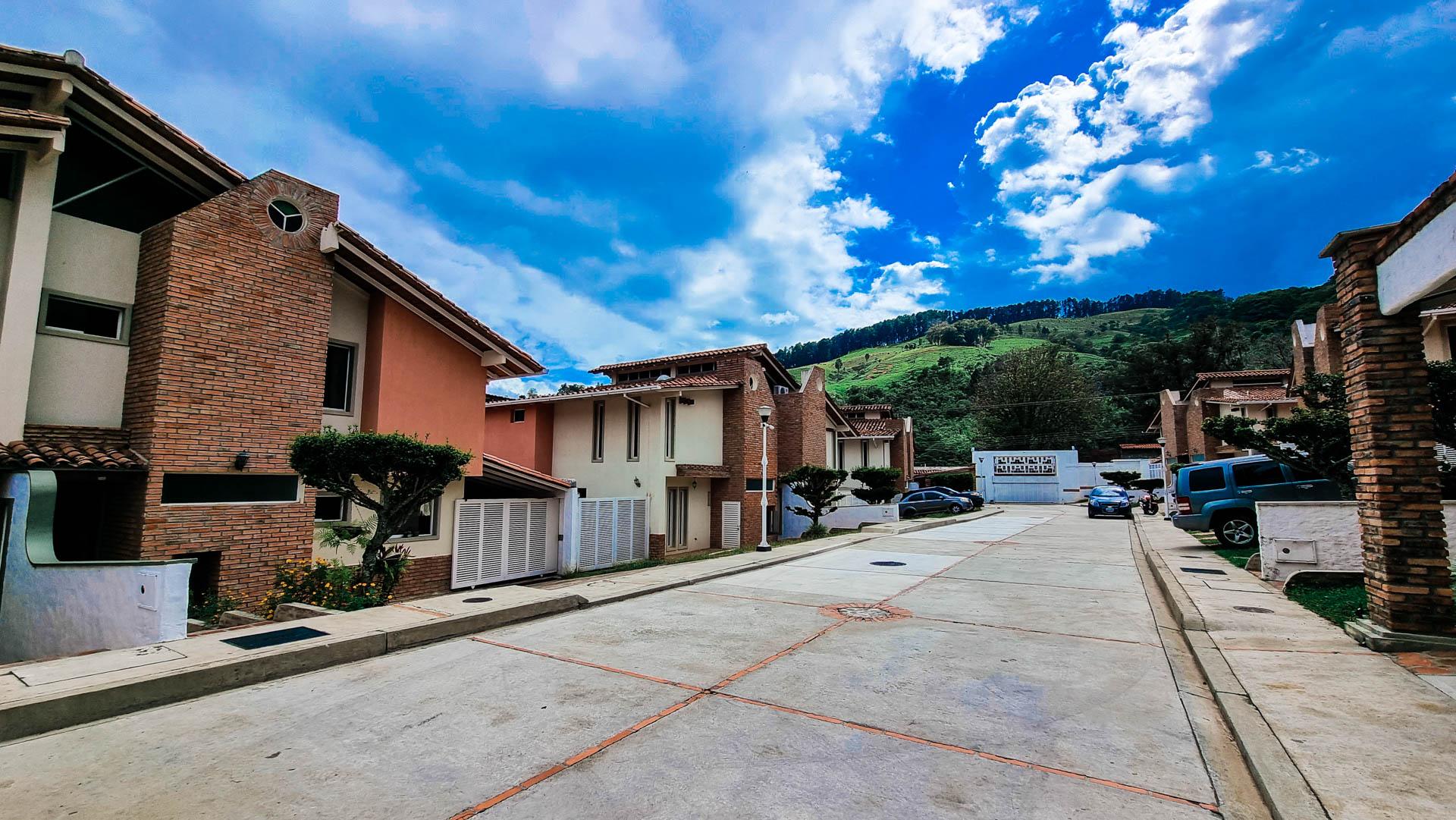 Townhouse Sector La Pedregosa